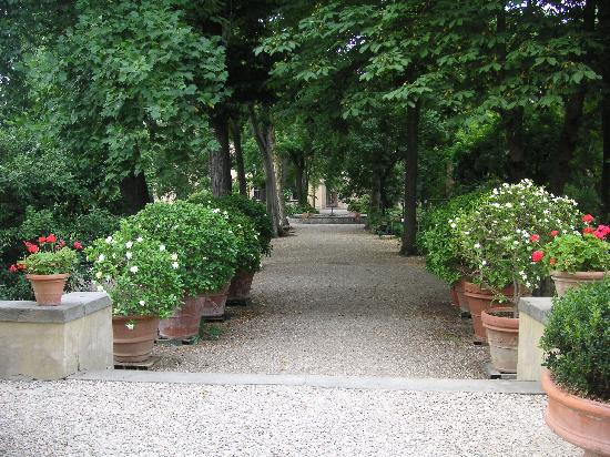 best gardens in florence