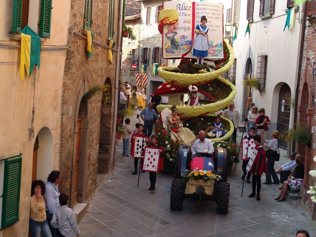 festivals in tuscany