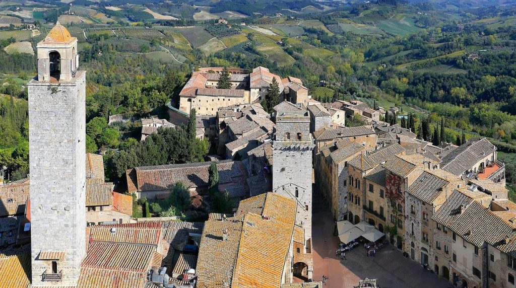medieval hilltop towns tuscany