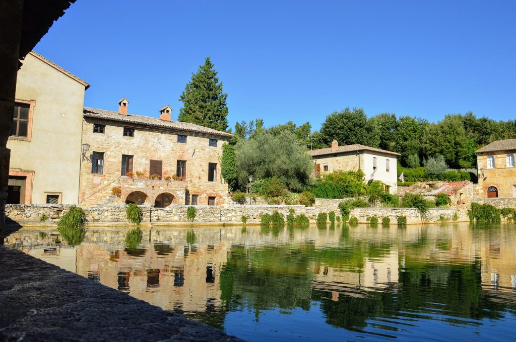 picturesque villages in tuscany