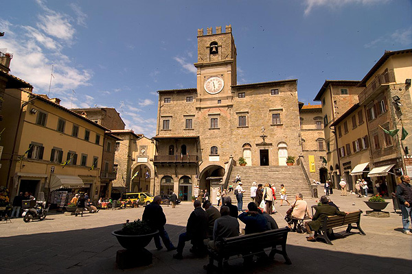 what to do in cortona