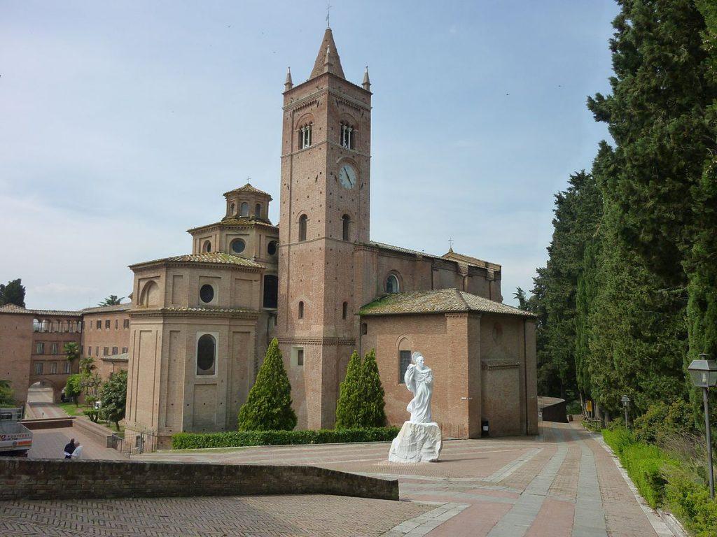 MOnte Oliveto maggiore tuscany