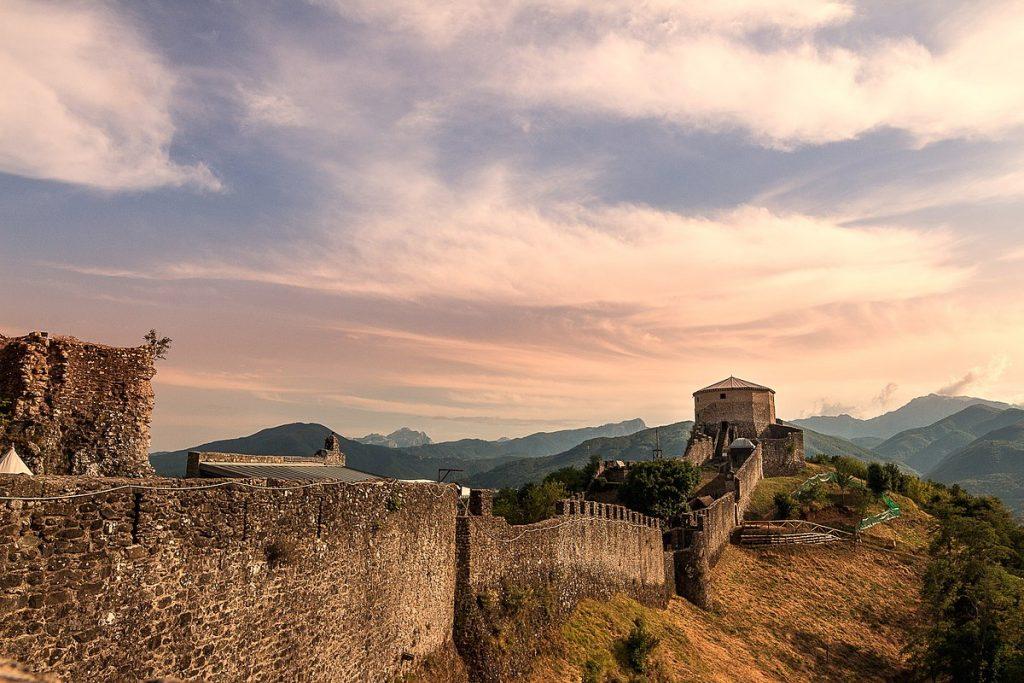 verrucole castle garfagnana