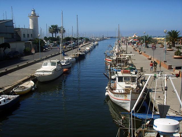 coastal towns tuscany