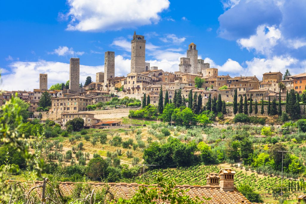 hilltop towns tuscany