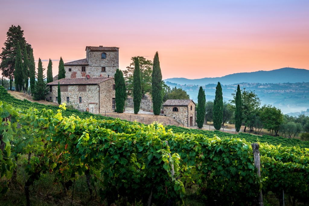 wine towns in tuscany